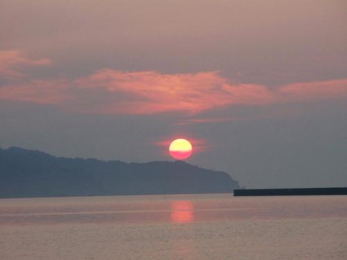 小木港の日の出